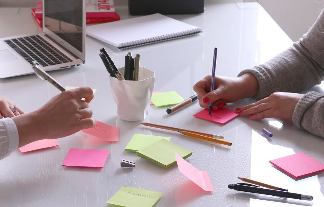 Sisältömissio syntyy vaikka ryhmätyönä: kaikki kirjoittamaan, joukolla priorisoimaan ja tehokkaasti tiivistämään.